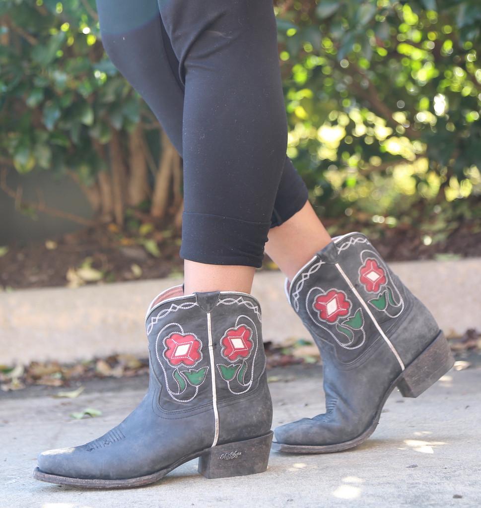 Miss Macie Tuckered Out Boots U8500-01 Walk