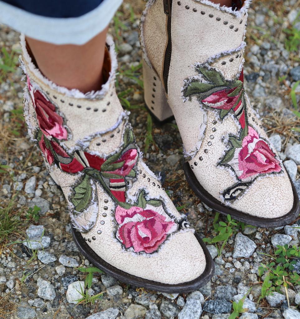 Old Gringo Carla Short Crackled Taupe Boots BL3184-3 Toe