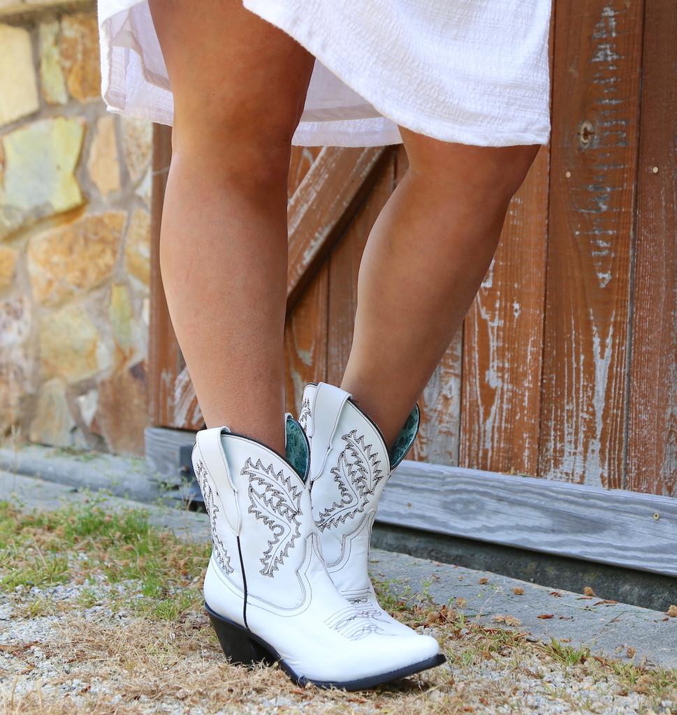 Corral White Embroidery Bootie E1436 Picture