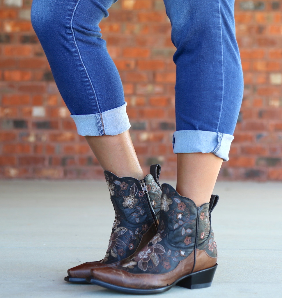 Old Gringo Bonnie Short Black Boots BL2974-4 Image