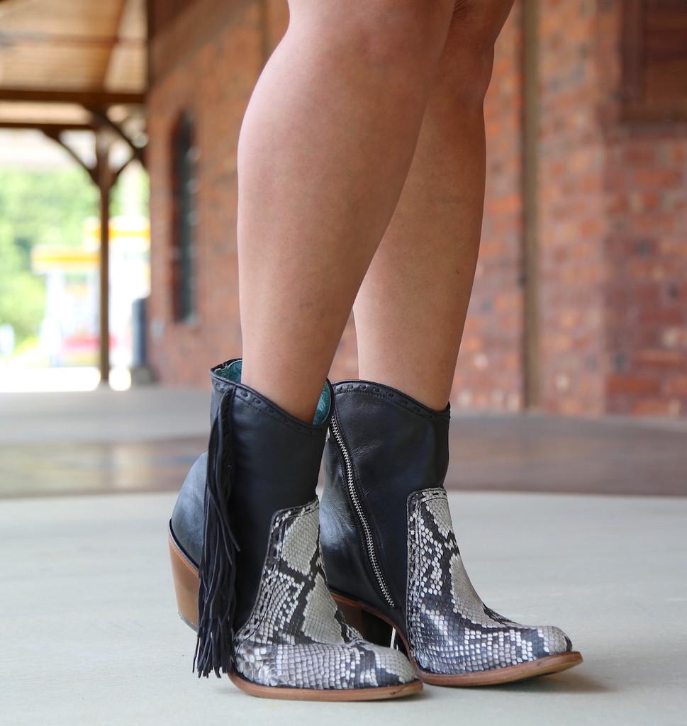 Corral Black Natural Python Fringe Ankle Boot C2909 Photo