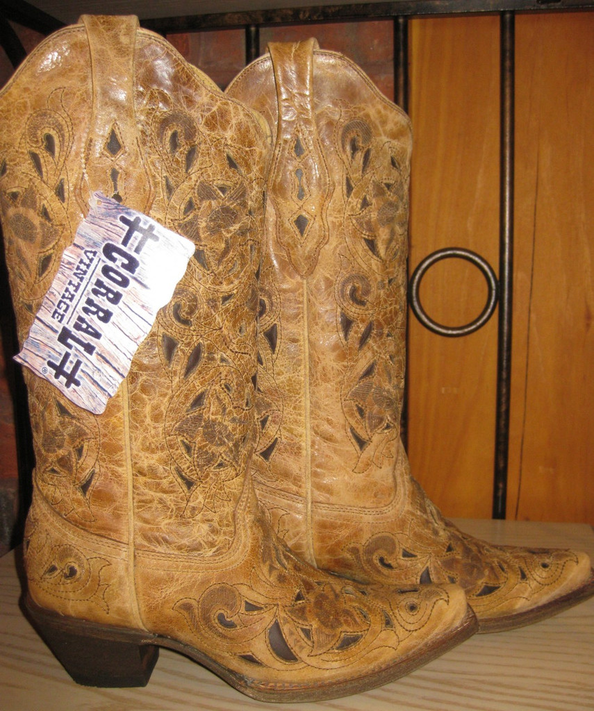 Corral Antique Saddle Brushed Laser Boot Main Picture