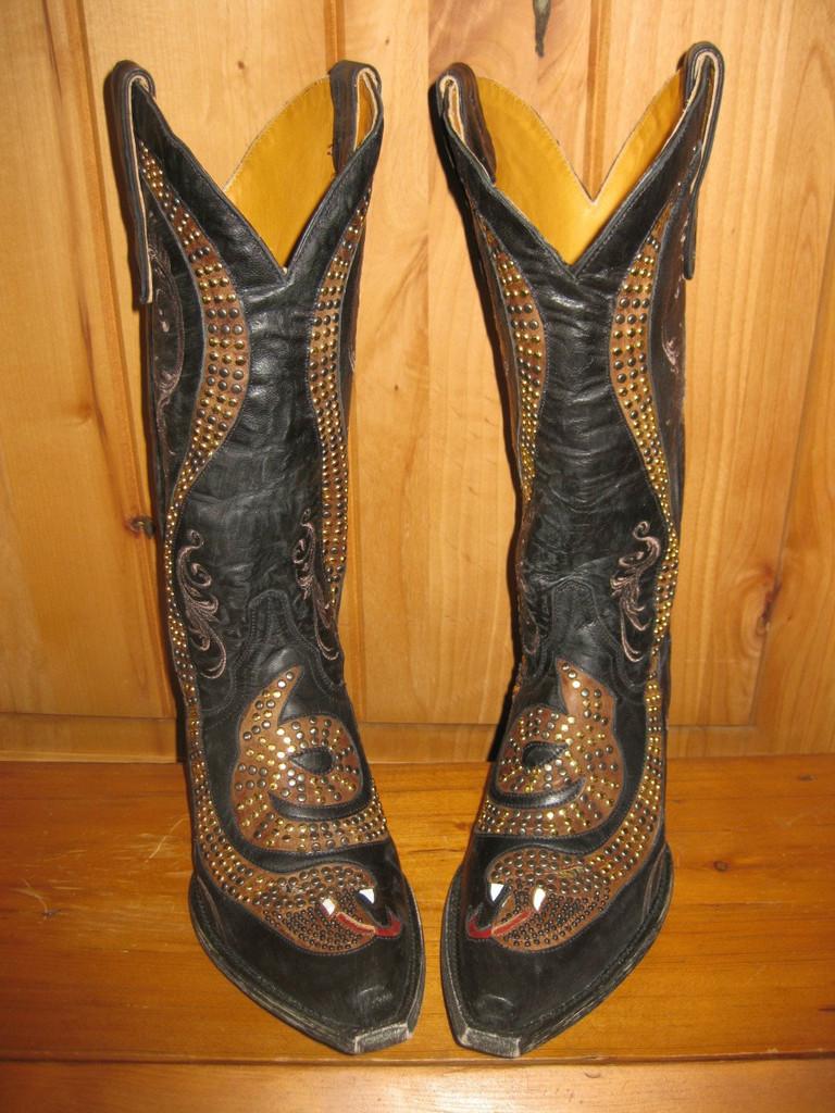 Old Gringo Snake Black Boots L1055-1 Front Image