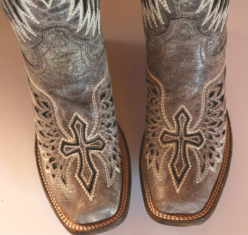Corral Brown Black Wing Cross A1197 Toe Image