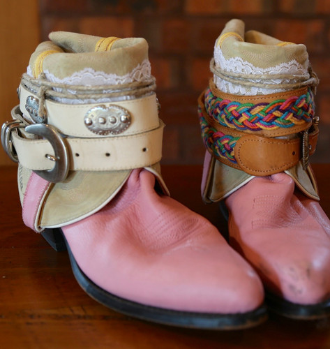The Feather Junkie Pink Durango Vintage Boots Size 9 Toe