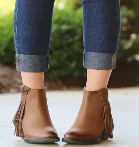 Corral Tan Side Fringe Shortie Boots Q0007 Front