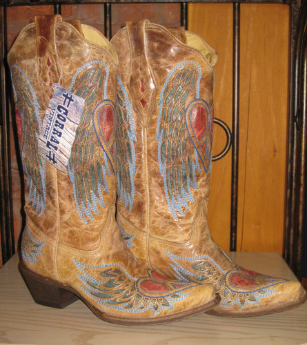 Corral Boots Wing And Heart A1976