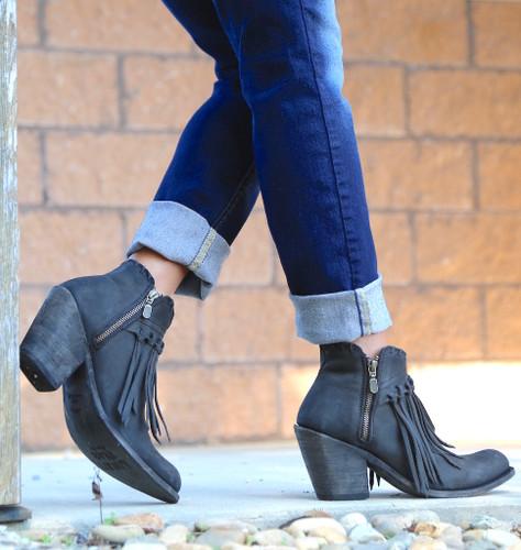 Liberty Black Fringe Zipper Shortie Boot Negro LB712323 Side