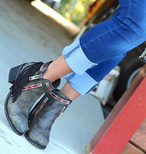 Corral Black Fringes J Toe Ankle Boot E1222 Image