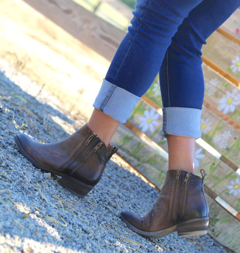 Corral Burnished Brown Double Zipper Bootie Q0025 Image