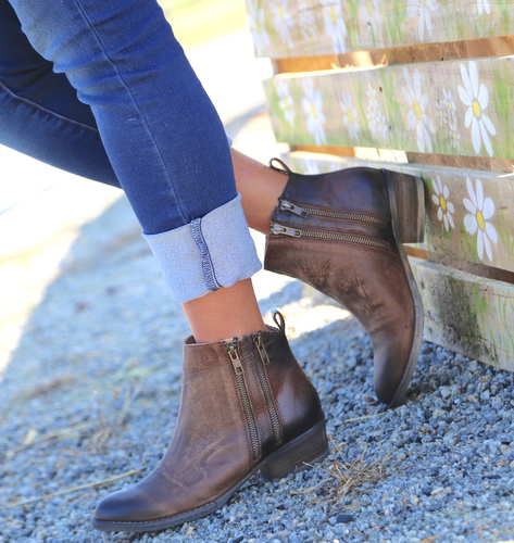 Corral Burnished Brown Double Zipper Bootie Q0025 Picture