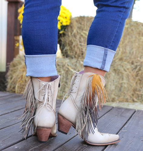 Junk Gypsy by Lane Spirit Animal Shortie Cream JG0040C Heel