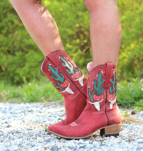 Junk Gypsy by Lane Bramble Rose in Red Boots JG0015D Image