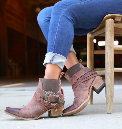 Junk Gypsy By Lane Hwy 237 Distressed Wine Boots JG0026A Buckles