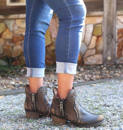Corral Black Yellow Cutout Shortie Boots Q5021 Photo