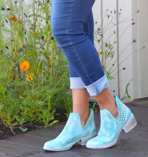 Corral Turquoise Cutout Shortie Boots Q5026 Picture