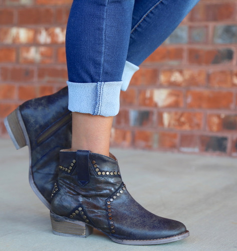 Corral Blue Star Inlay and Studs Ankle Boot Q5025 Picture