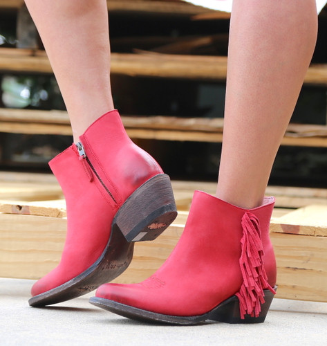 Miss Macie On The Fringe Red Boots U7001-01 Photo