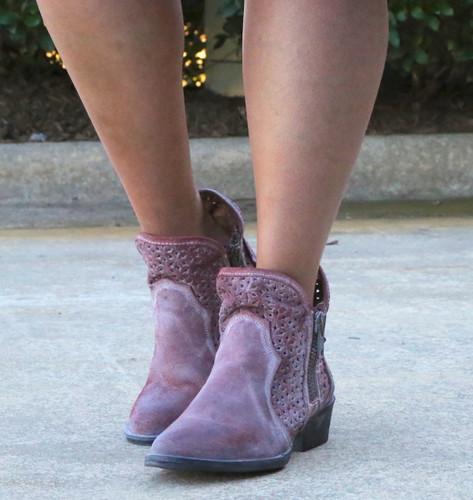 Corral Wine Cutout Shortie Boots Q5063 Picture