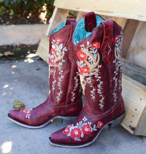 Corral Red Deer Skull and Floral Embroidery Boots A3712 Toe