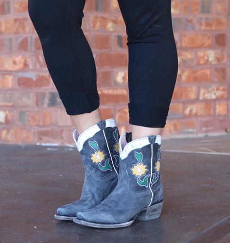 Miss Macie Run Ragged Boots Black U8502-02 Picture