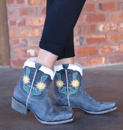 Miss Macie Run Ragged Boots Black U8502-02 Image