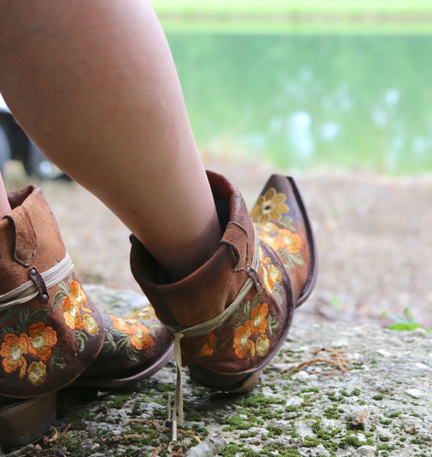 Corral Chocolate Lamb Embroidery Flipped Shaft Ankle Boot C3418 Toe