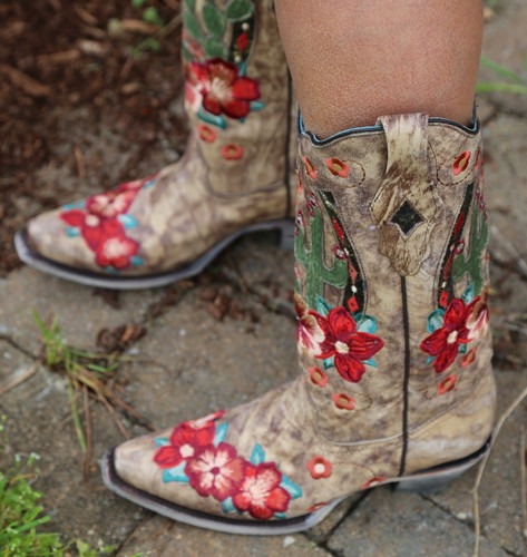 Corral Taupe Cactus Inlay and Embroidery Boots A3736 Toe