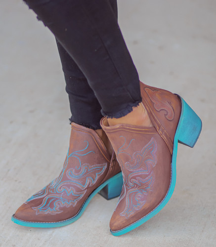 Corral Cognac Embroidery Shoe Ankle Boot Q0099