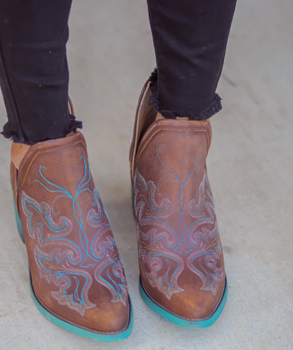 Corral Cognac Embroidery Shoe Boot Q0099 Toe