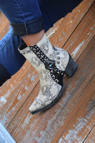 Double D by Old Gringo Four Winds White Boots DDL045-2 Toe