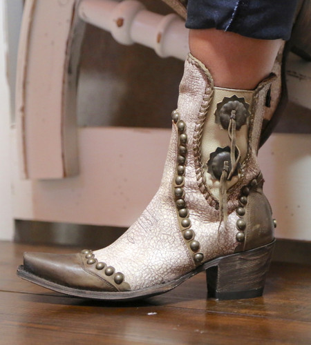 Double D by Old Gringo Stockyards Crackled White Boots DDBL047-1 Conchos