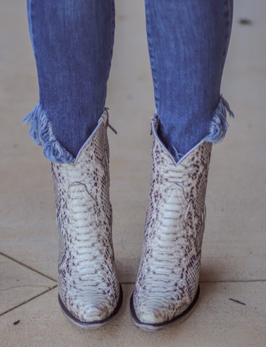 Corral Natural Python Zipper Ankle Boot A3791 Toe