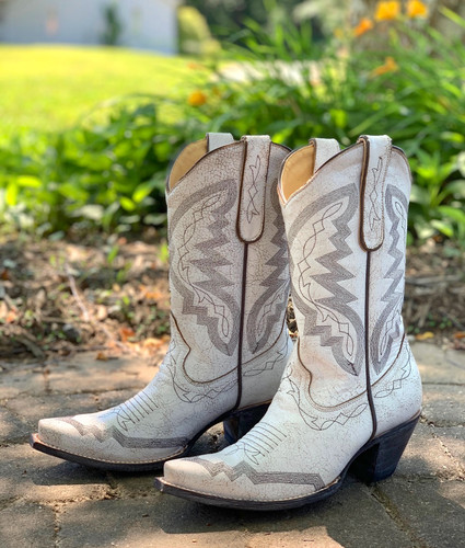 Yippee by Old Gringo Peyton Crackled Taupe YL347-7 Live Shot