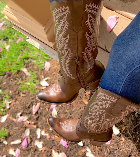 Corral Brown Embroidery Tall Top Boots E1401 Toe
