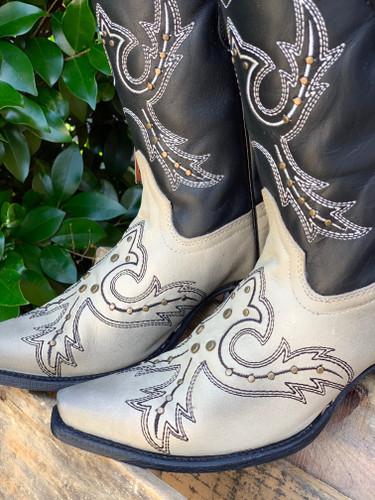 Corral Black Bone Embroidery and Studs Boots E1463 Toe
