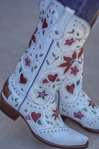 "Old Gringo Lovers and Flowers Boots 15"" White L3351-3 Detail"