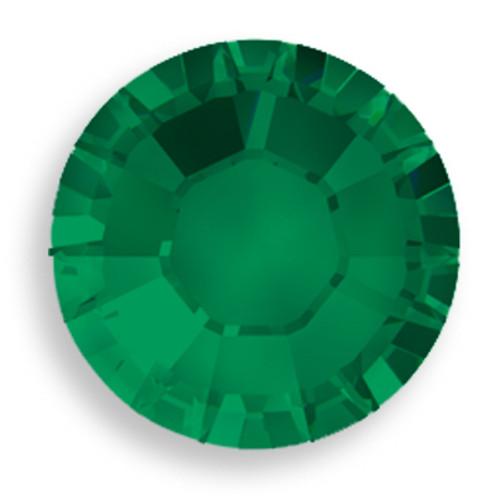 Swarovski 2028 8ss(~2.45mm) Xilion Flatback Emerald    Hot Fix