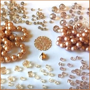 color-combinations-rose-gold-swarovski-pearls-and-crystals.jpg