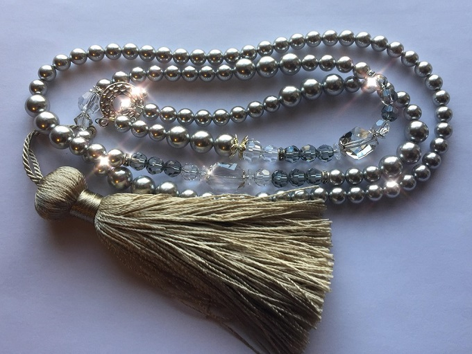 learn-how-to-make-a-diy-tassel-necklace-crystal.jpg