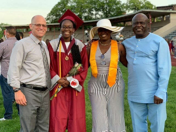 Graduation ceremony inspires Harvard-bound student to give her surprise $40K scholarship away