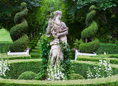 5 Tips for Selecting Garden Statuary