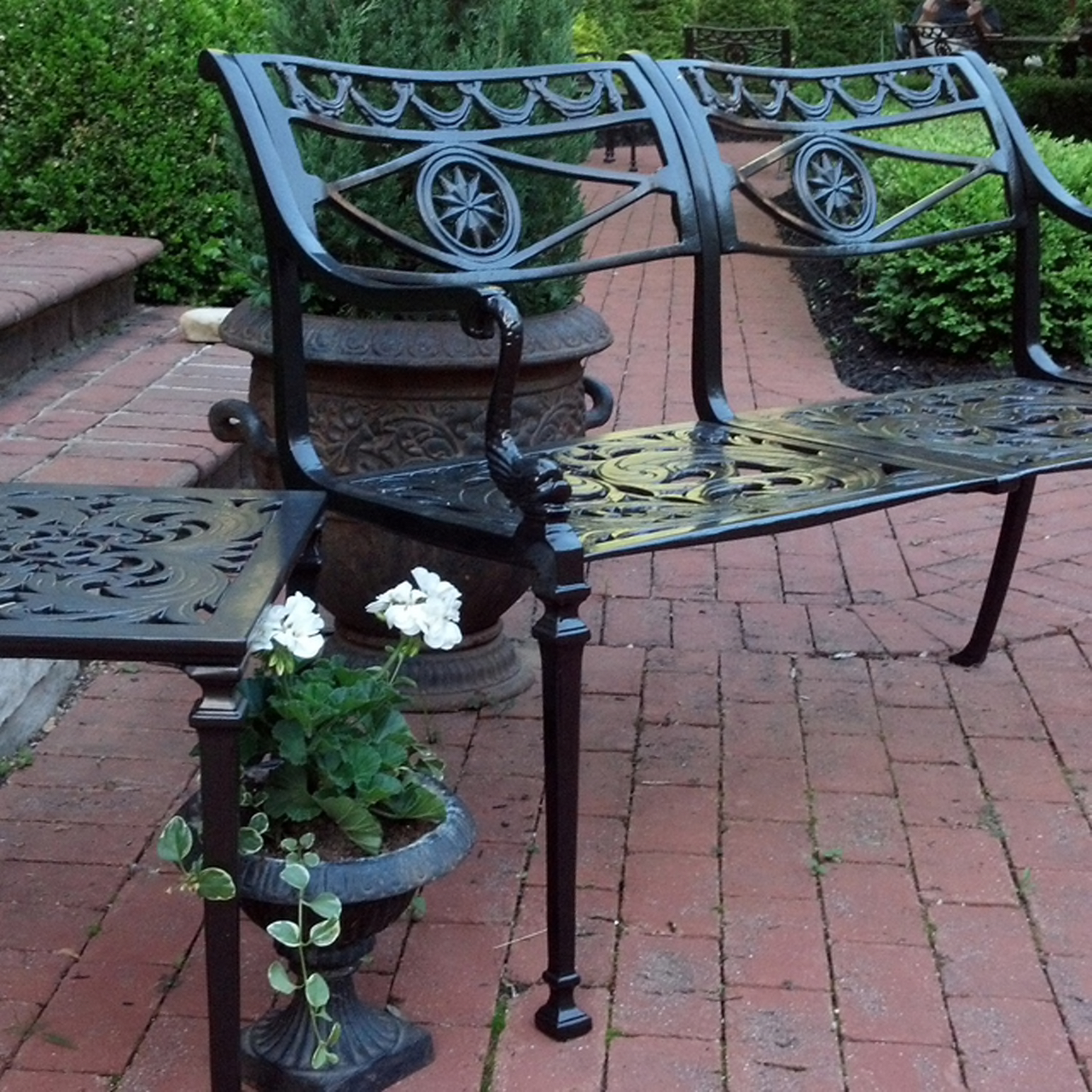 filigree-design-star-and-dolphin-double-settee-.jpg