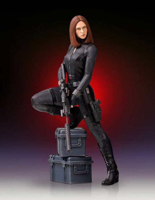 gentle giant black widow statue