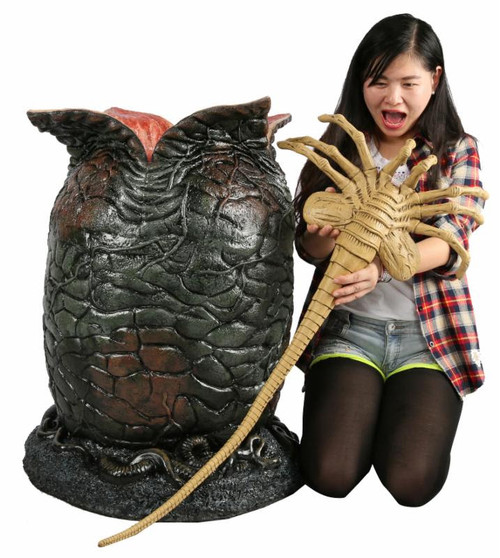 neca alien egg facehugger