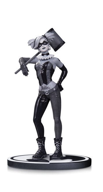 dc collectibles harley quinn black and white statue by lee bermejo