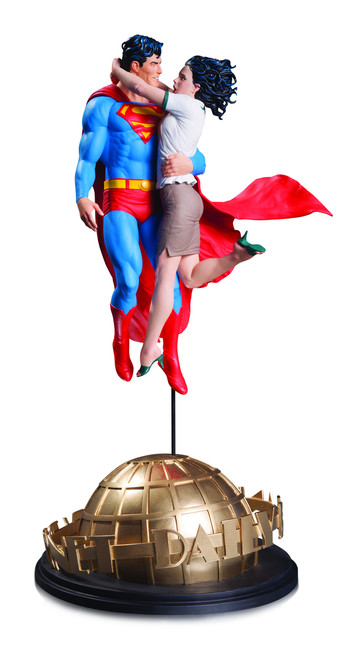 superman lois lane statue gary frank
