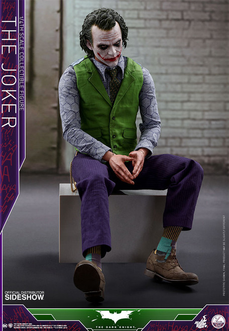 The Dark Knight Joker 1:4 Scale Figure
