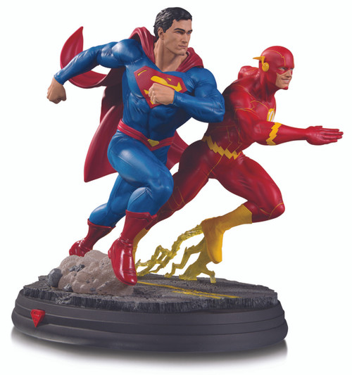 DC Gallery: Superman vs. The Flash Racing Statue