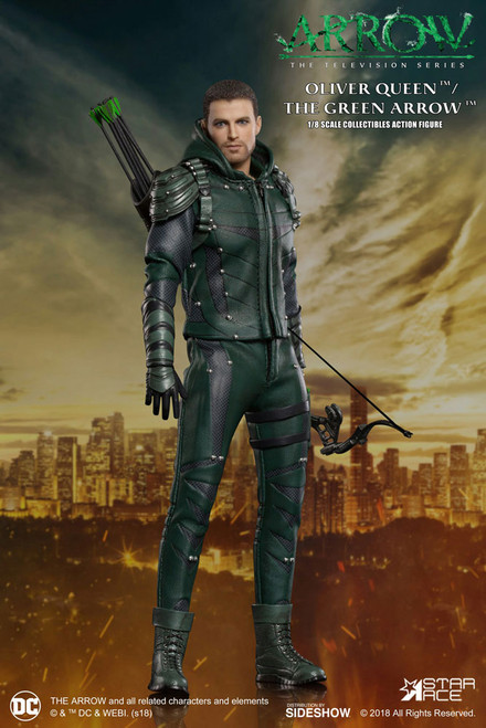 DC TV Green Arrow 1:8 Scale Deluxe Action Figure